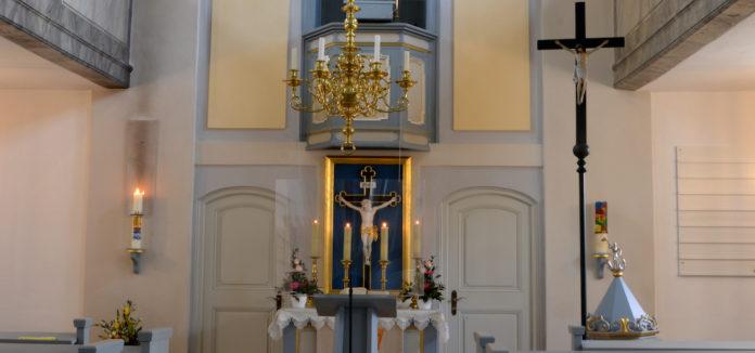 Die Georgskirche in Kammerstein ist mit ihrem Kanzelalter eine typische Markgrafenkirche von 17 im Landkreis Roth. Foto: Helge Schnütgen